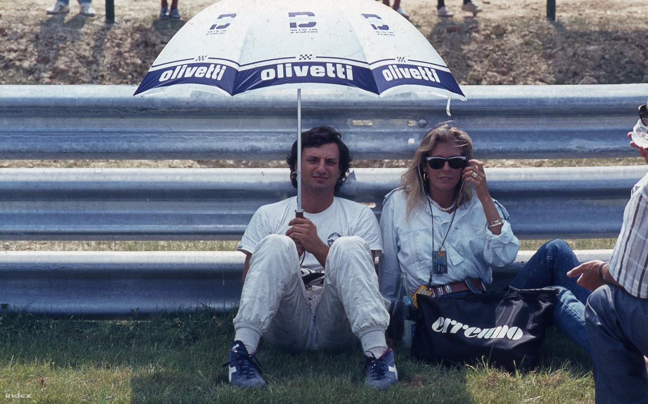Újabb régi ismerős, Ricciardo Patrese. Brabhammel indult, de az egyik kerékvetőre felakadva fejezte be a futamot, nagyon nagyon korán. Később a Williamsszel volt tuti győztesnek tűnő futama, de kicsúszott az élről, úgyhogy nálunk sosem nyert. De nagyon szeretett ide járni.