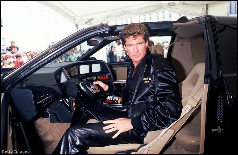 Mert David Hasselhoff nem csak annyit tett le az asztalra, hogy ő volt Michael Knight a Knight Rider című sorozatban.