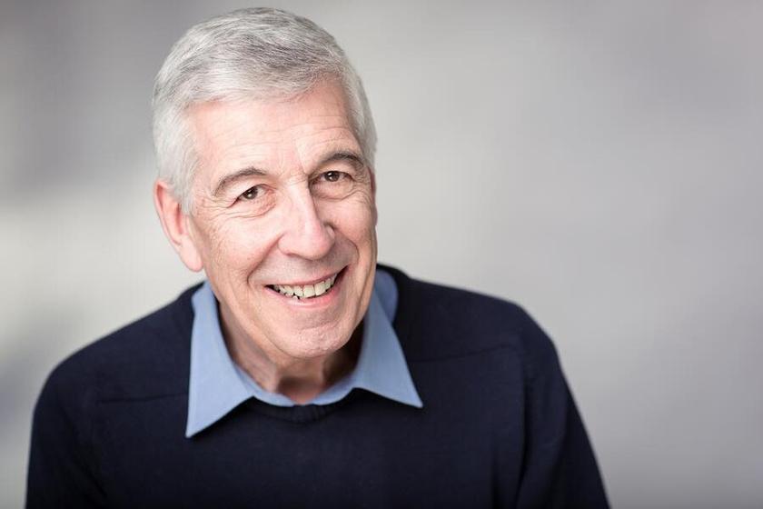 Tegnap ünnepelhette 71. születésnapját a sorozat egyik legnépszerűbb sztárja, Jeffrey Holland.