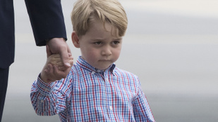 György herceg nem tud parancsolni a grimaszainak, és ez így tökéletes