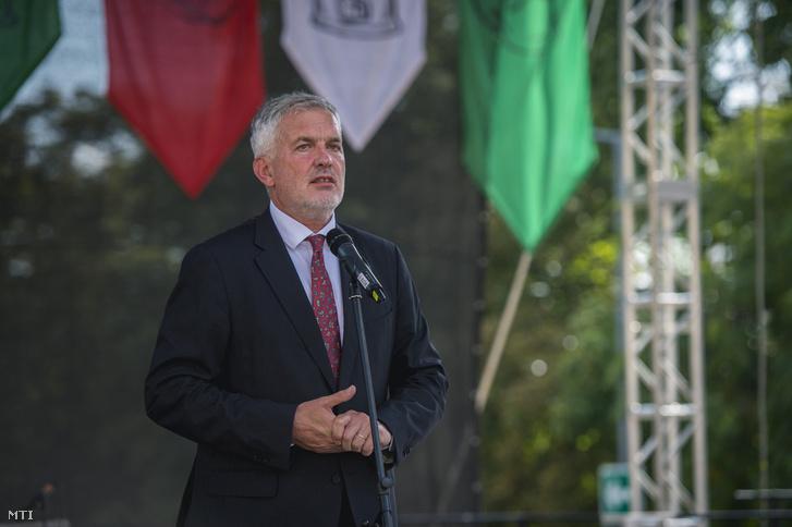Páva Zsolt polgármester