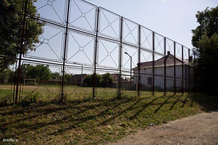 II. Rákóczi Ferenc Általános Iskola focipálálya, aminek a helyére épült volna a tornaterem