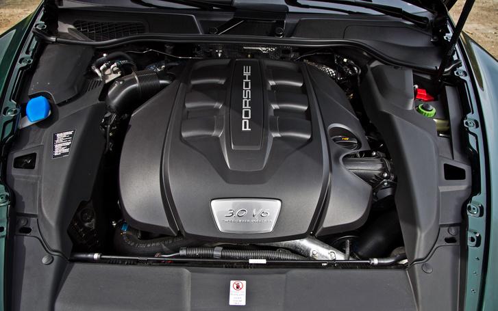 2013-Porsche-Cayenne-Diesel-engine1