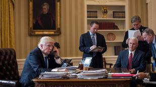 Szuperkínos megjegyzés hallatszott bele a Fehér Ház konferenciahívásába
