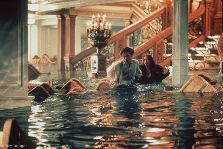 A filmet összesen 11 Oscarral jutalmazták a 14 jelölésből, és ezzel feljött a Ben-Hur ugyancsak 11 Oscarja mellé, amit azóta csak a Gyűrük Ura első része tudott behozni