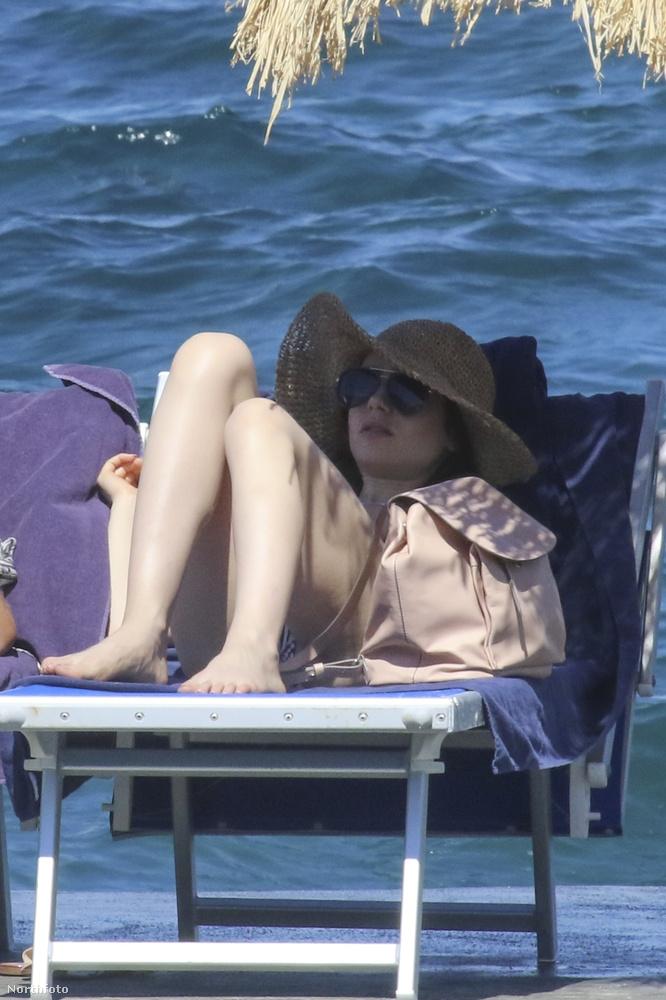 Ciao Hölgyem és Uram!Jó lenne így nyaralgatni, nem?