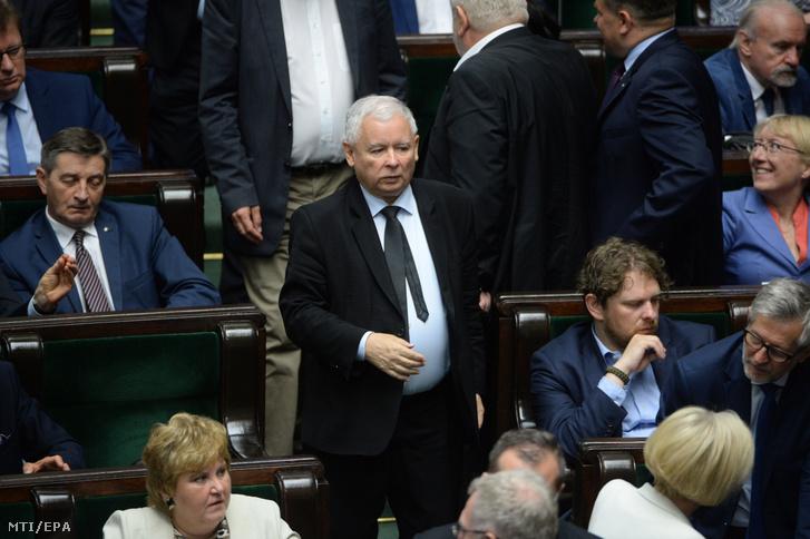 Jaroslaw Kaczynskit a kormányzó lengyel Jog és Igazságosság (PiS) párt vezetője a