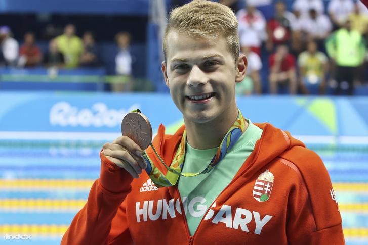 Kenderesi Tamás Rióban, a 200 pillangón nyert bronzérmével