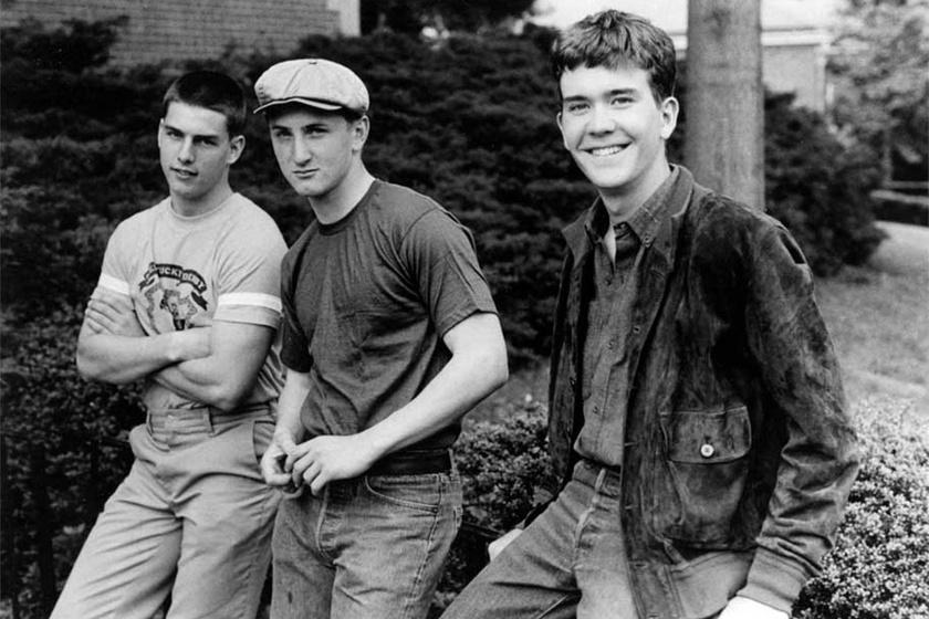 Tom Cruise 1981-ben a Takarodó című film forgatásán Timothy Hutton és Sean Penn oldalán. 18 éves volt ekkor.