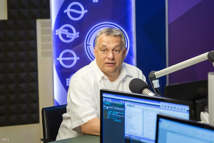Orbán Viktor miniszterelnök a Kossuth Rádió stúdiójában ahol interjút adott a 180 perc című műsorban 2017. július 21-én.