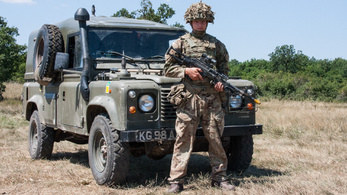 Land Rover Defender 110 Military – 2001.