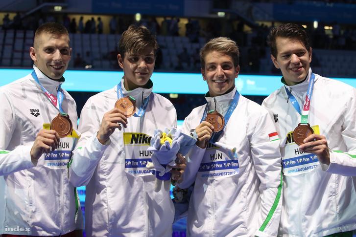Megvan a magyarok első érme! Bohus Richárd, Holoda Péter, Kozma Dominik és Németh Nándor bronzérmes lett. Gratulálunk!