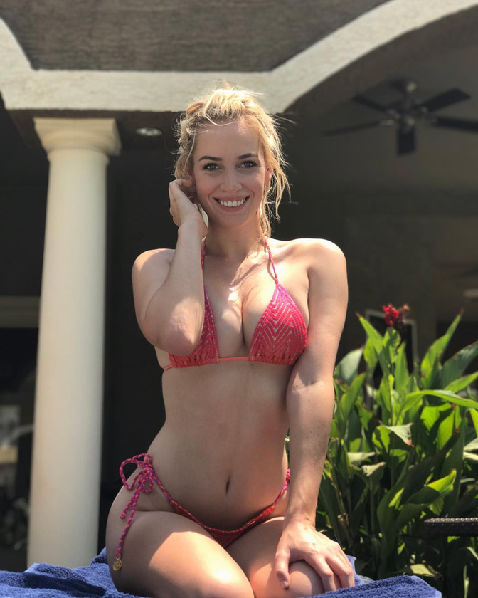 Napicsaj rovatunkban ma epizódjában a 24 éves Diegó-i golfozónő, Paige Spiranac emberi drámájába nyerhet betekintést, akinek életébe az hozott jelentős törést, hogy a jövőben tartózkodnia kell a túl szexi ruhadarabok viselésétől a pályán.