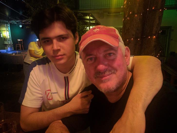 Jon Langford (The Mekons) és a fia, Jimmy.