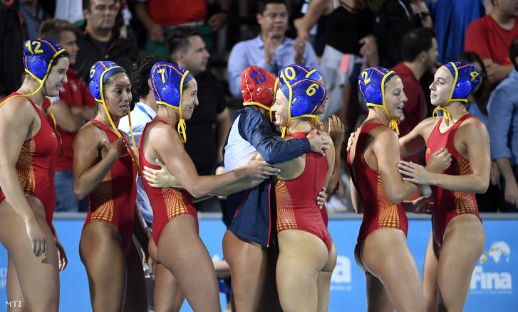 A spanyol játékosok a Görögország - Spanyolország mérkőzés végén