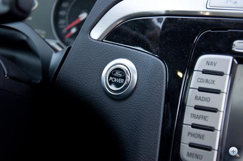 Kulcs nélküli rendszerrel gombnyomásra indul a Ford