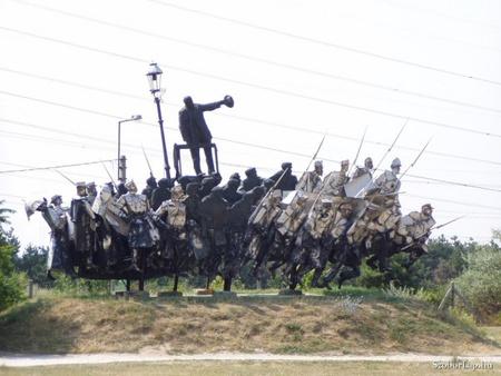 Kun Béla emlékműve a tétényi szoborparkban (Fotó: Pinczés Sándor/szoborlap.hu)