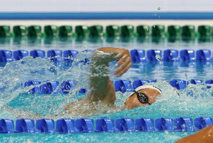 Kapás Boglárka a női 1500 méteres gyorsúszás döntőjében