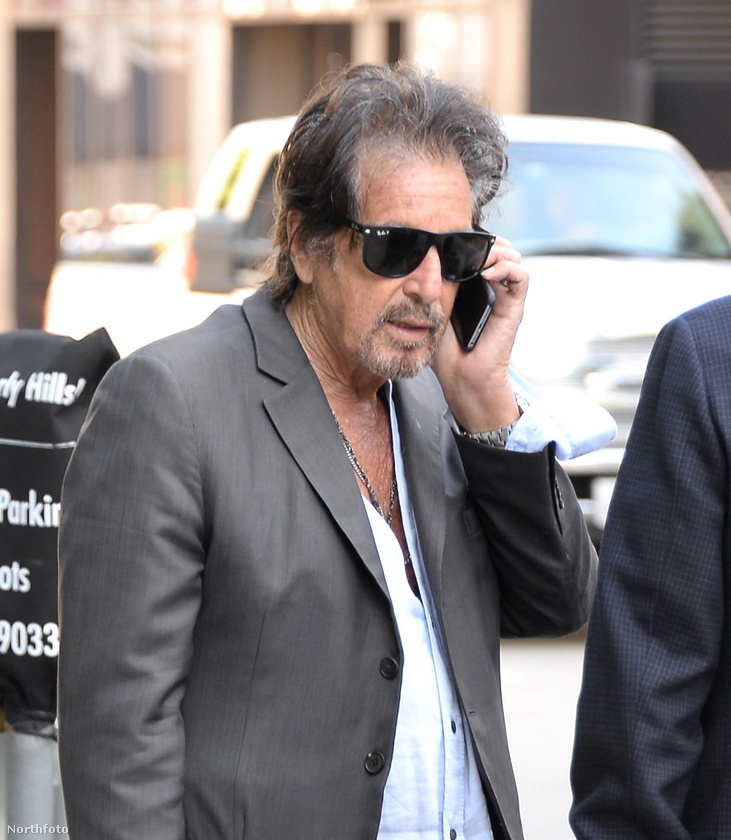 Al Pacino szerepel ebben a tévébe szánt filmben, de annyira nem hasonlít a megszokott önmagára, hogy csak na.
