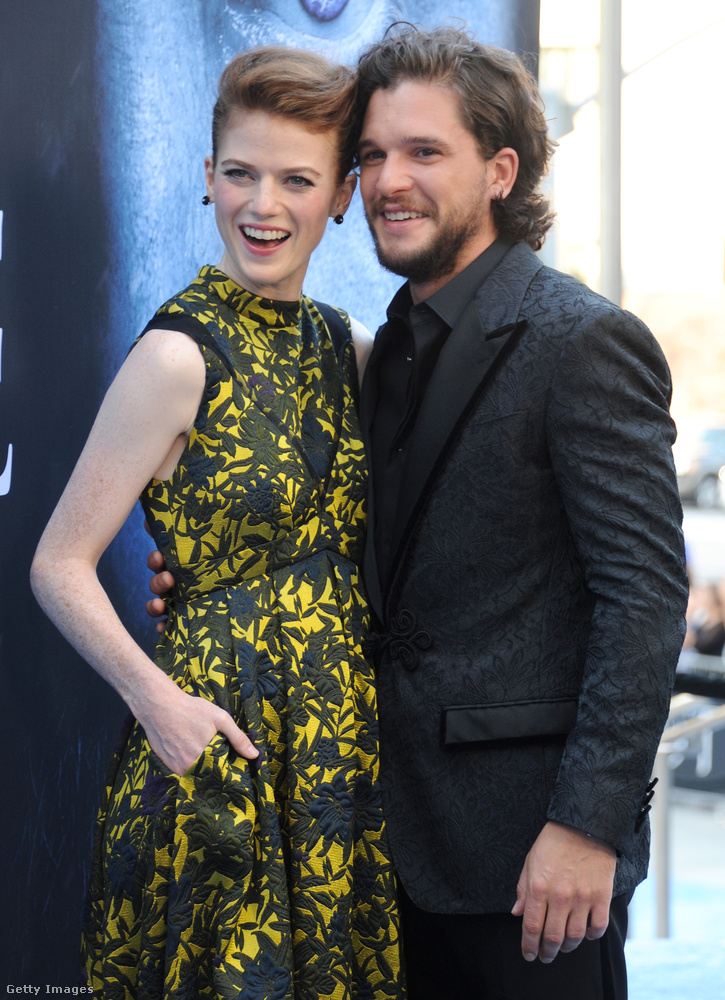 Ők itt Rose Leslie és Kit Harington, a Trónok harca című sorozat Ygritte-jét és Jon Snow-ját alakító színészek