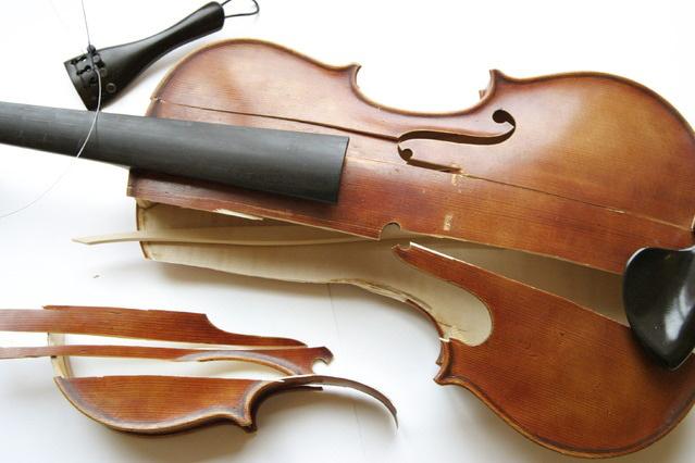 broken-violin 1 orig