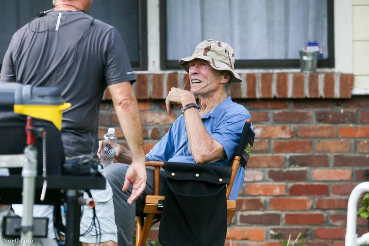 Clint Eastwood 2016-ban rendezett utoljára (ha nem emlékszik rá: a Sully - Csoda a Hudson folyón című filmet Tom Hanks főszereplésével), de nem sokáig tétlenkedett