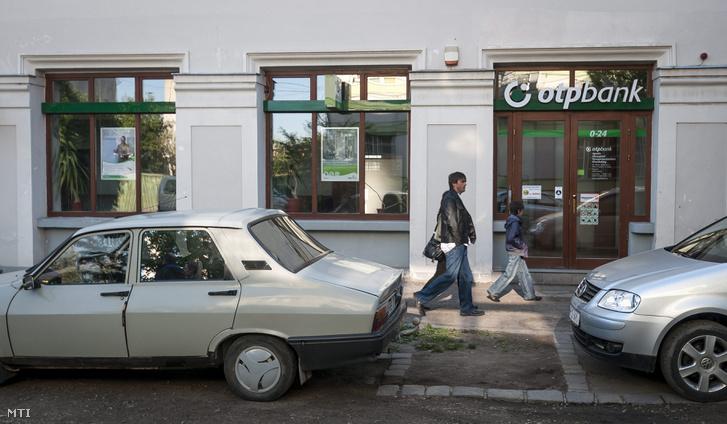 Az OTP Bank fiókja az erdélyi Gyergyószentmiklóson