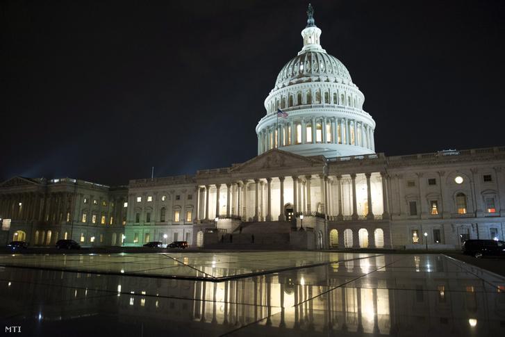 Az amerikai törvényhozás washingtoni épülete a Capitolium