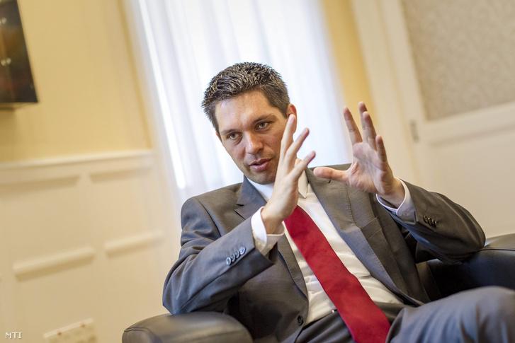 Balog Ádám az MKB Bank közelmúltban kinevezett elnök-vezérigazgatója a Magyar Nemzeti Bank korábbi alelnöke 2015. augusztus 4-én.