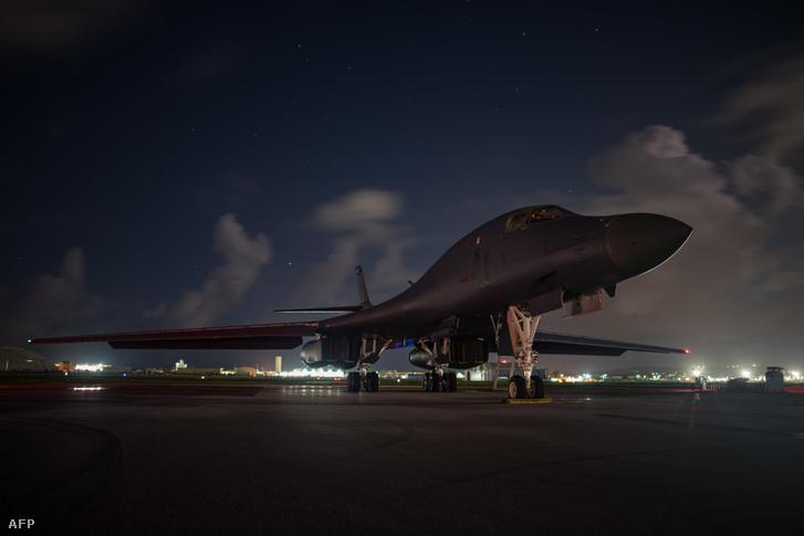 Egy B-1B az Amerikai Légierő Bázisán, Guamban