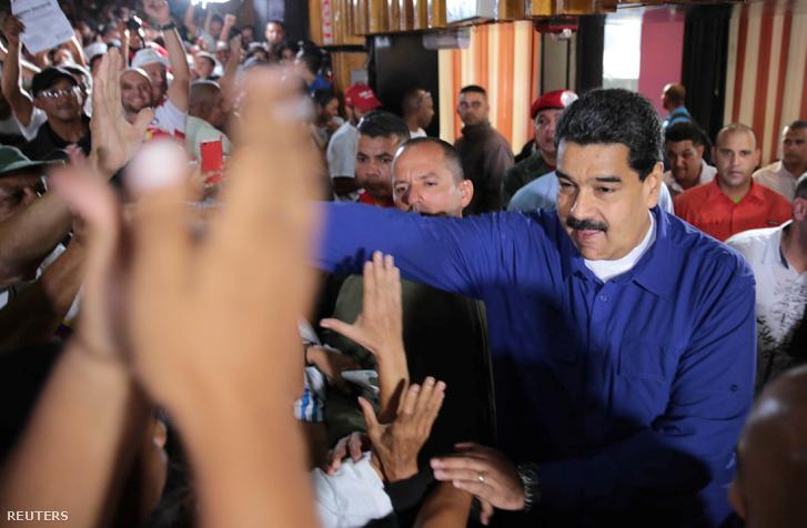 Maduro támogatói között.
