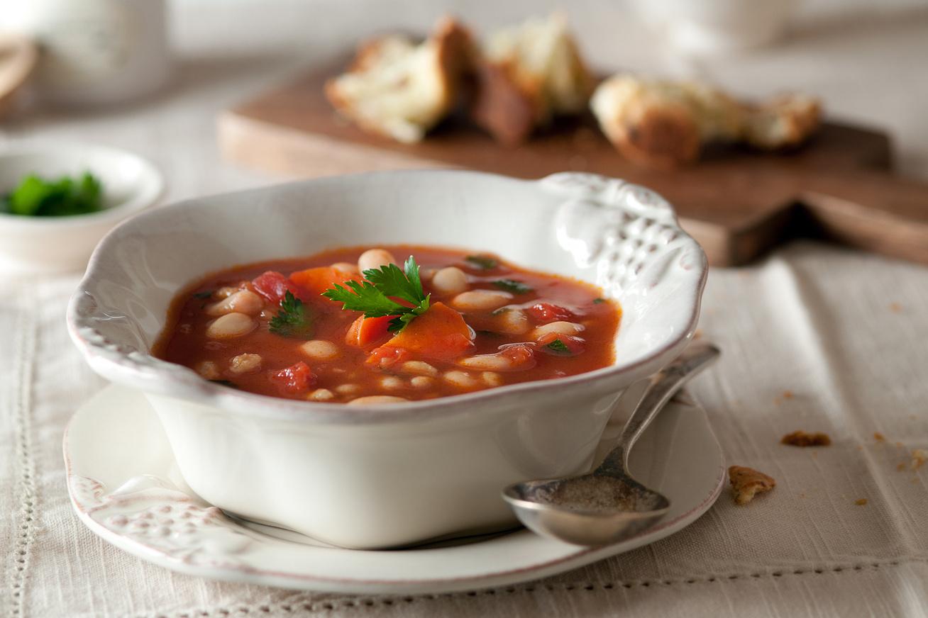 Könnyű fejtettbab-leves sok zöldséggel - Így nem fog puffasztani