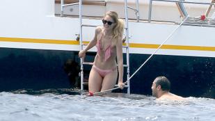 Doutzen Kroes bikinis fürdőzése egy helikoptert is igényelt