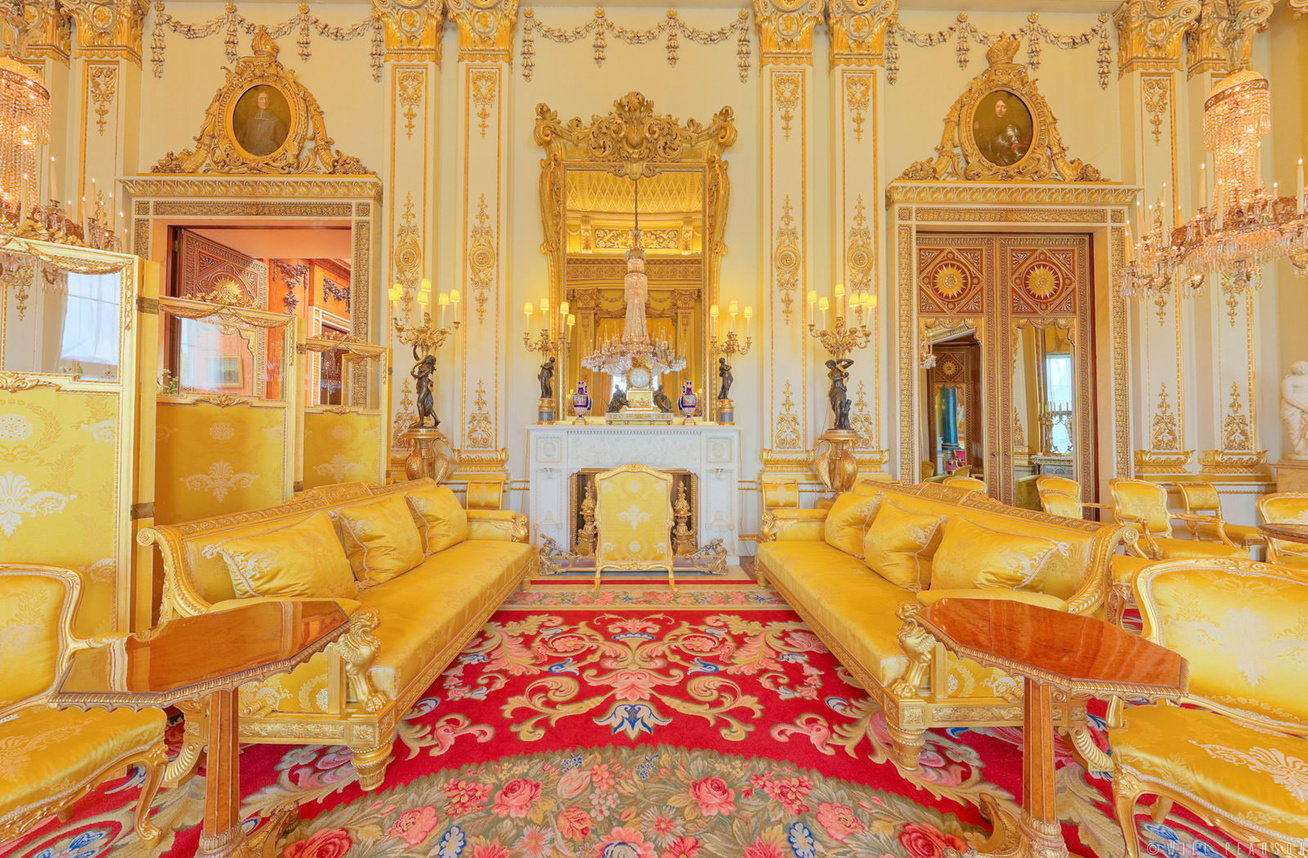 buckingham-palace-white-drawing-room