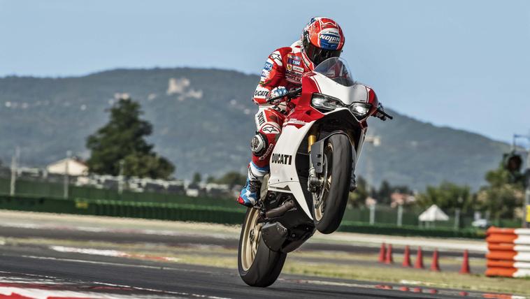 2017-Ducati-1299-Panigale-S-Anniversario-01