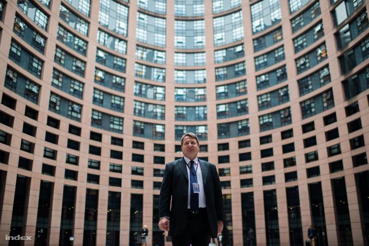 Kovács Béla az Európai Parlament brüsszeli épületében 2014 szeptemberében