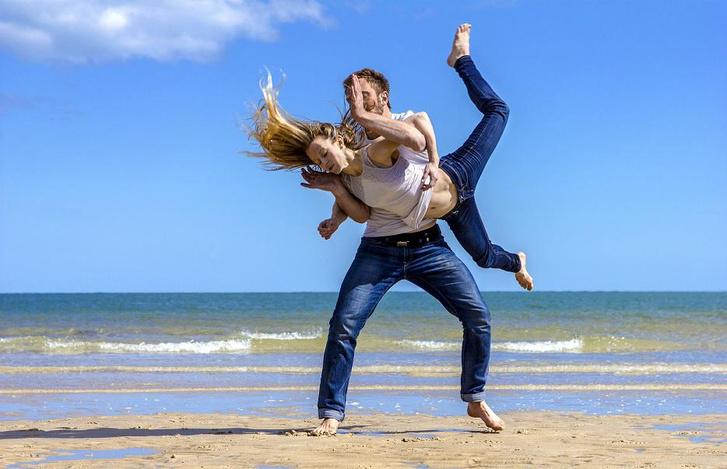 Joli Vyann & L'Eolienne: Lance moi en L'air