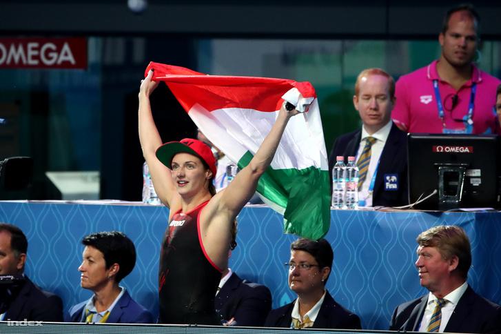 Hosszú Katinka a női 400 méteres vegyesúszás döntője után a 17. vizes világbajnokságon 2017. július 30-án.