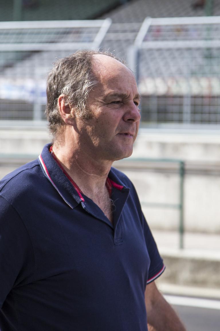 Gerhard Berger, ex F1-es pilóta és jelenlegi DTM-vezér szerdán folyamatosan Auer körül sertepertélt a paddockban és a bokszban egyaránt