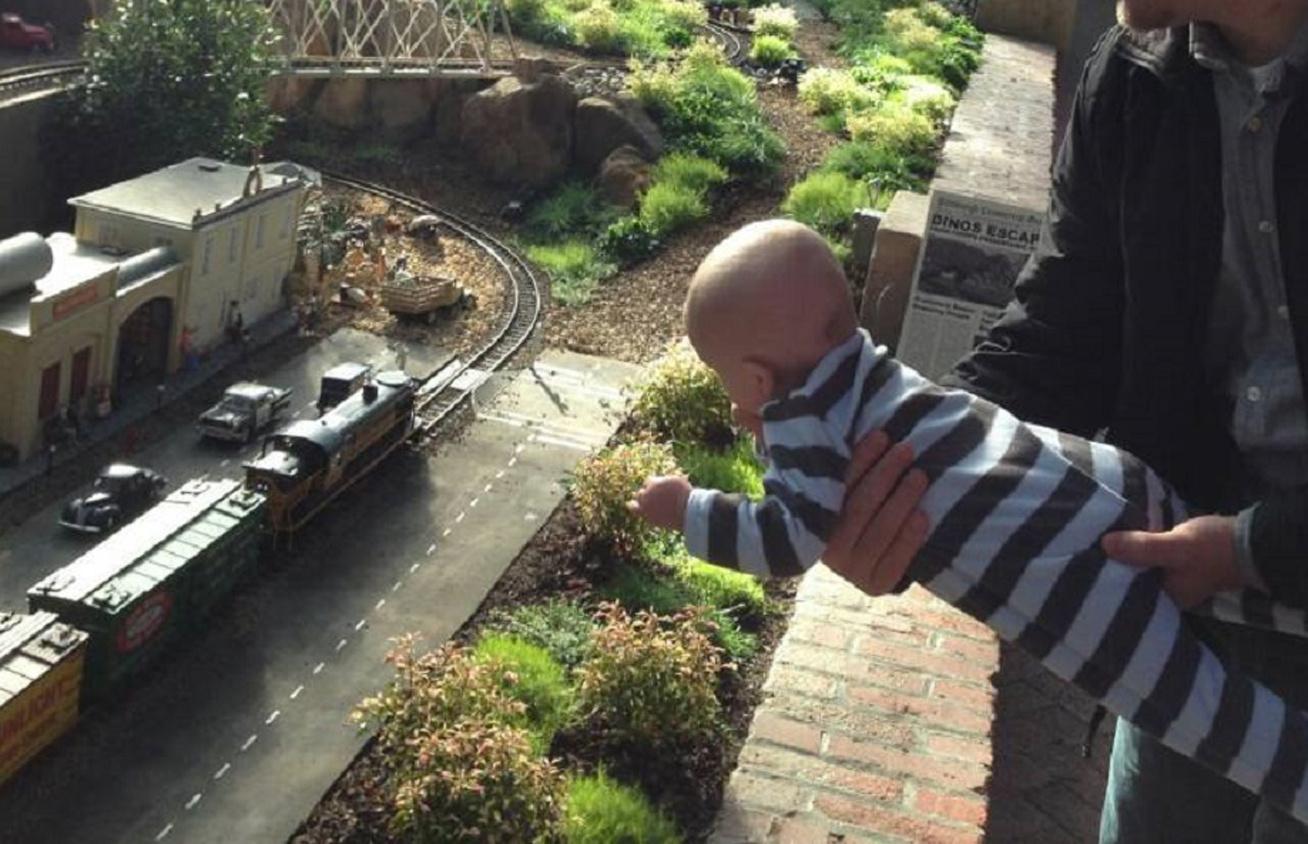 vonat-gyerek kepe