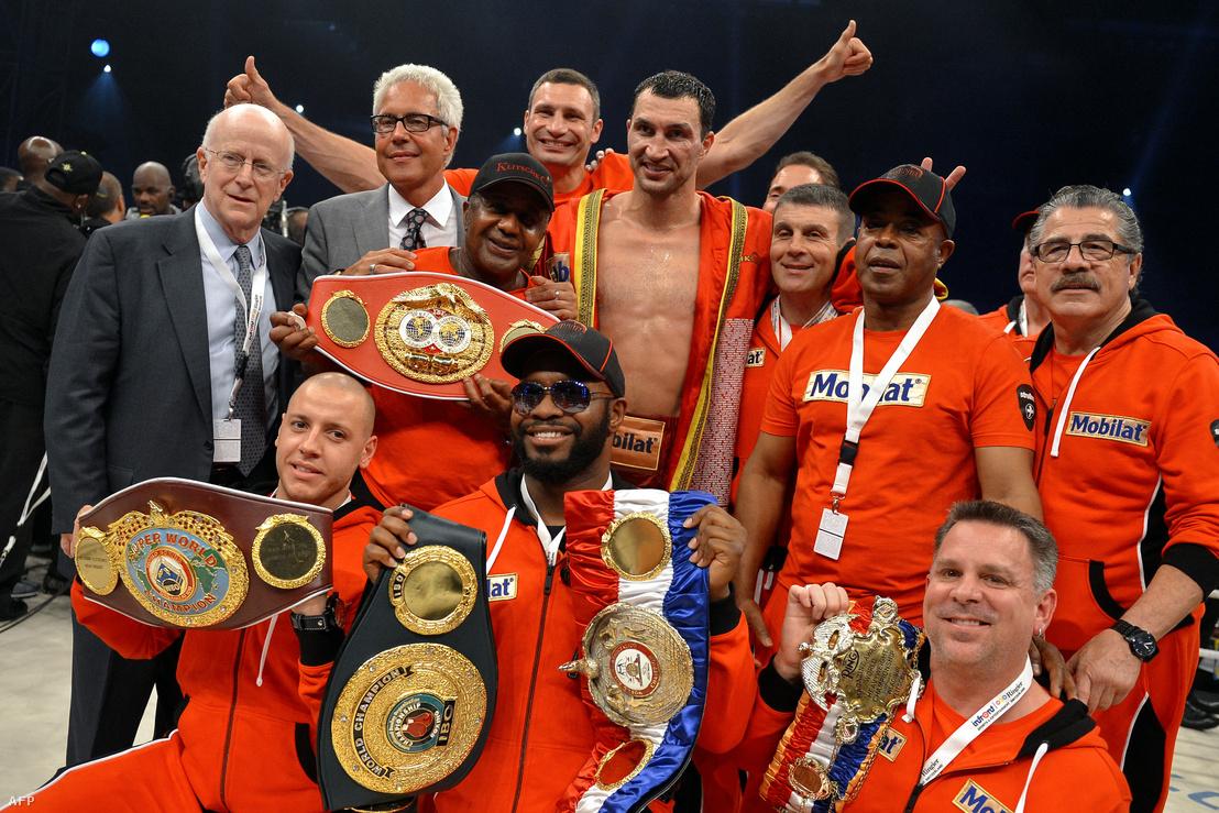 Klicsko 2012-ben, a Tony Thompson elleni mérkőzés után ünnepel