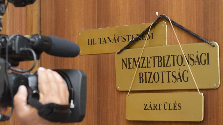 Így már érthető, miért lehetetlenítette el a Fidesz a nemzetbiztonság ellenőrzését