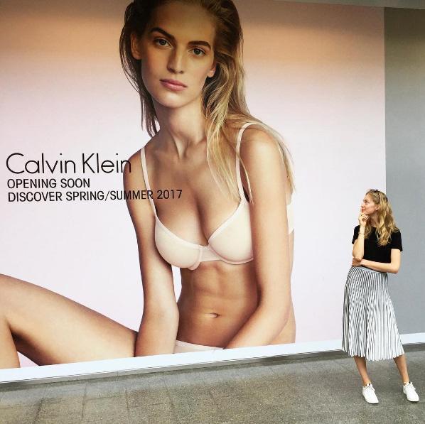Axente Vanessa 2013-ban szerepelt először a Calvin Klein plakátjain.