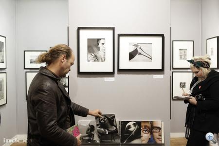 A 2010-es vásár díszvendége Közép-Európa, köztük Magyarország is. A rendezvény fő képén, így a plakátokon is André Kertész Elizabeth és Én című képe látható.