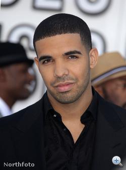Drake is ott volt a 2010-es MTV Video Music Awardson szeptemberben. Sajnos Lady Gaga húsdressze miatt nem ő állt az érdeklődés középpontjában