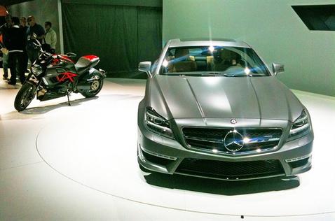Mercedes-Benz-19111010219357201600x1060