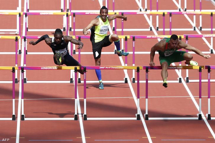 Jobbról Baji Balázs a londoni atlétikai vb 110 gátas előfutamában