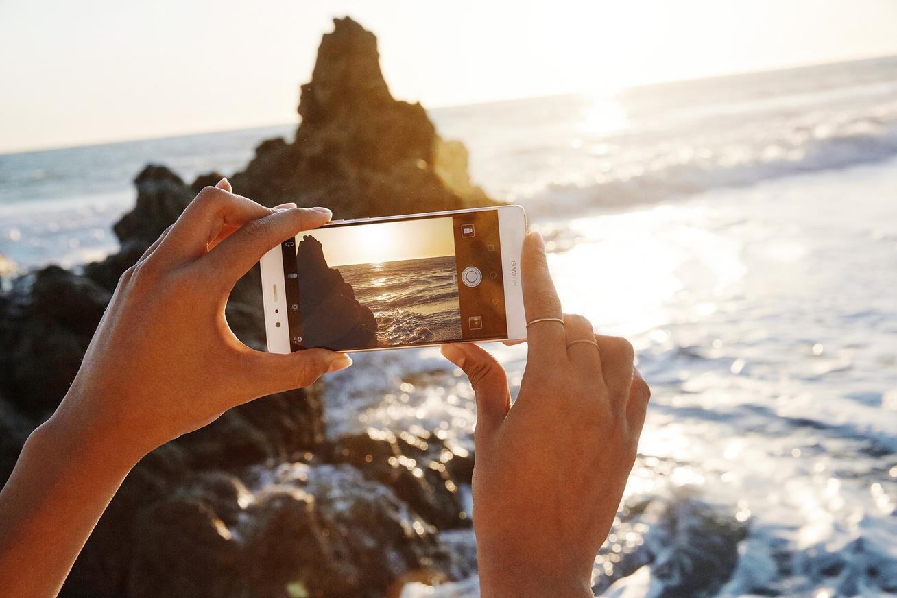 beach photo hand-huawei-covercsere