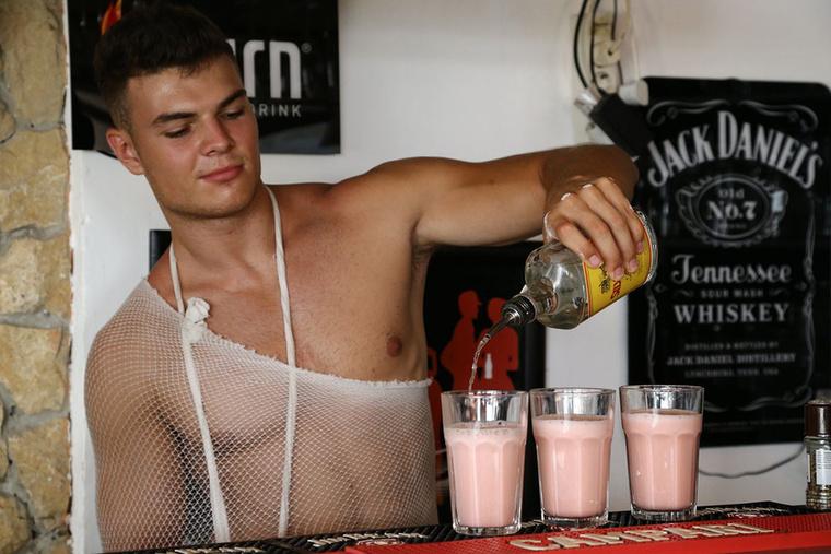 Úgy néz ki, hogy némi alkohollal megbolondítva épül be csak igazán a szervezetbe a fehérje.