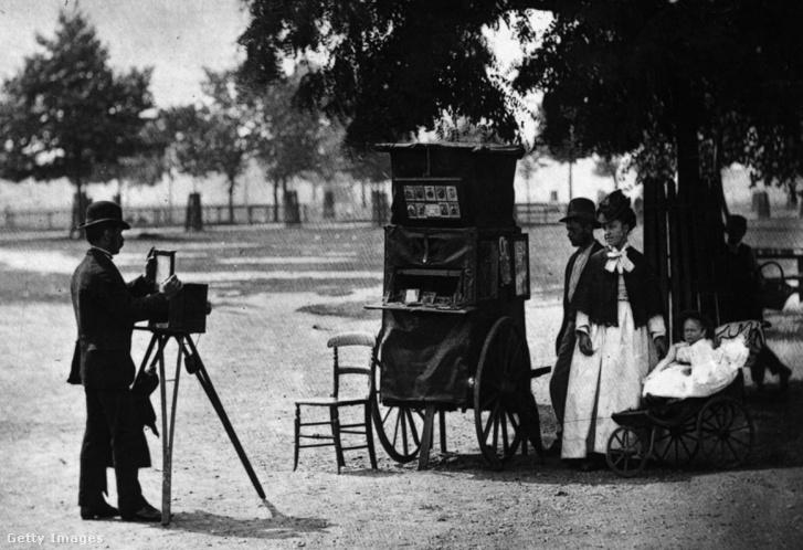 Mozgó fényképész London utcáin 1877-ben.